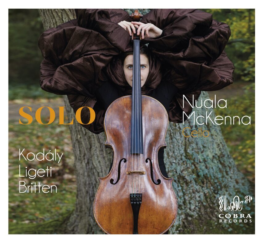Debut CD 'SOLO' highly praised in reviews!